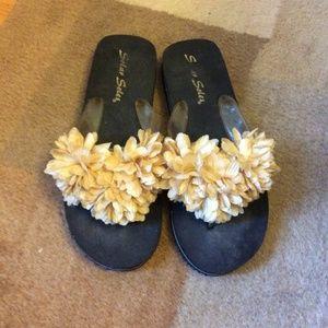 Shoes - 🔟 For 🔟Solar Soles Sandals